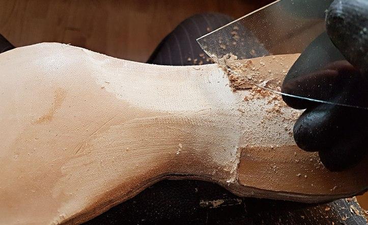 Fiddle waist