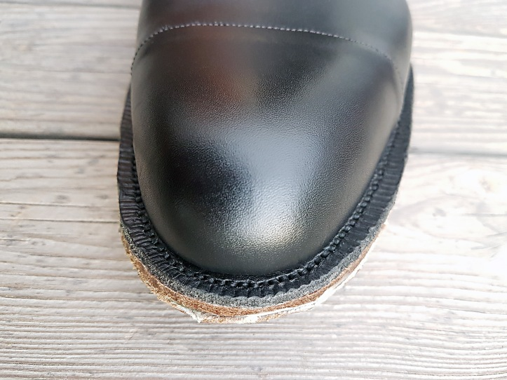 17 outsole seaming.jpg