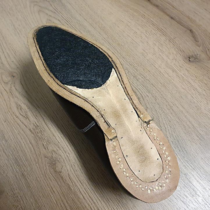 tar felt shoes