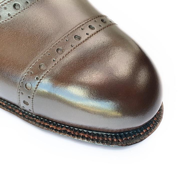 08 toe closeup